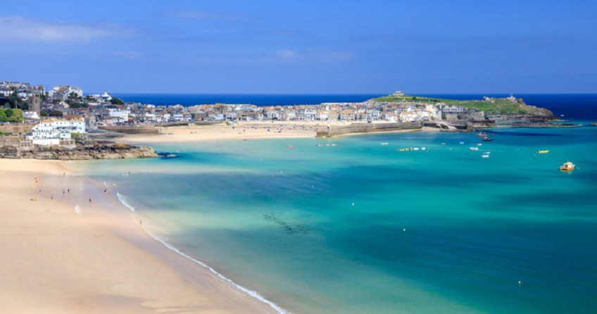 Explore beautiful beaches on a spring break in Cornwall